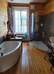 Suite de l'Évêque salle de bain
