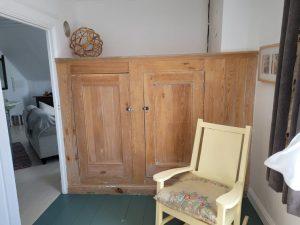 Suite du vicaire petite chambre 2